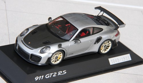 small_P991GT2RS_8671a4a4d.jpg