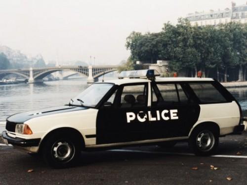 peugeot_305_break_police_1-547x410caa0b.jpg