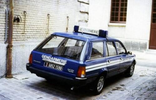 peugeot_505_break_gendarmerie-641x4108934f.jpg